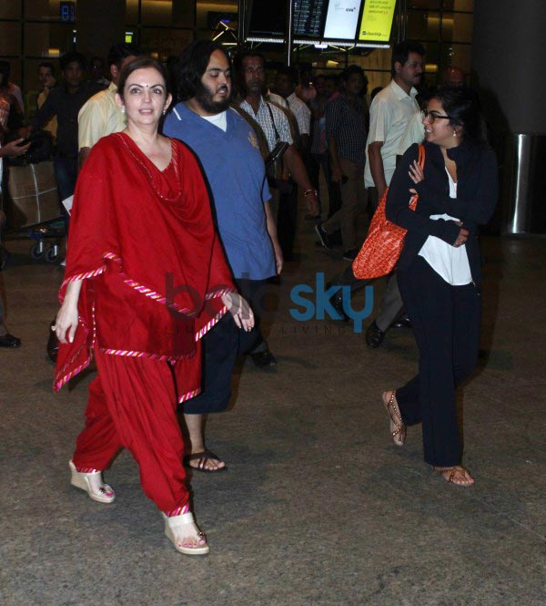 Neeta Ambani snapped at airport with her Daughter