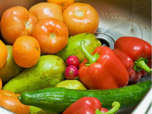 Should You Clean Vegetables With Vinegar