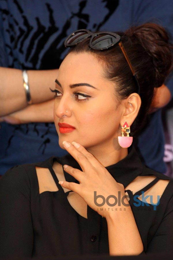 Sonakshi Sinha stuns during Holiday Film Promotion