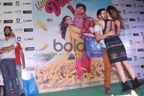 Alia Bhatt stuns at Humpty Sharma Ki Dulhania Promotion