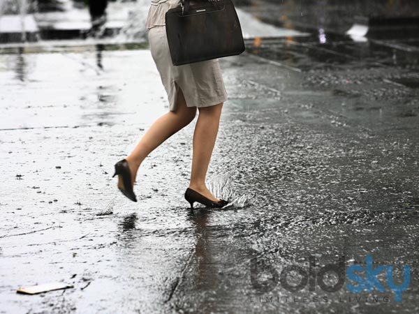 Best Footwear Tips For The Monsoon