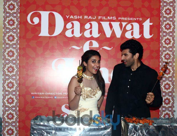 Parineeti Chopra stuns at Trailor Launch of Daawat E Ishq
