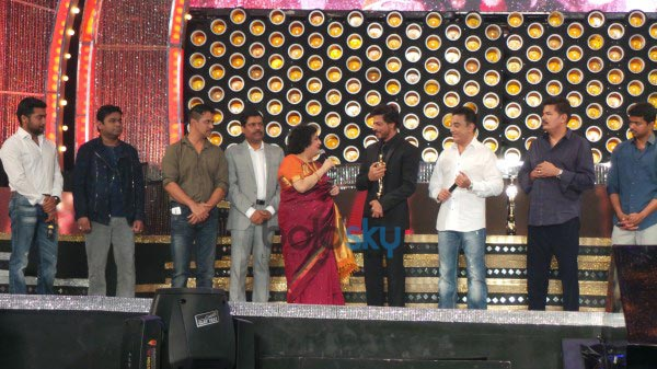 Shah Rukh Khan at 8th Annual Vijay Awards