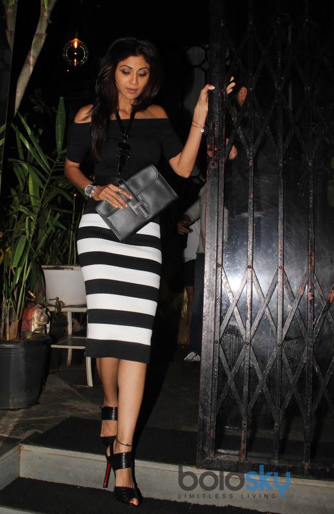 Shilpa Shetty, Bipasha Basu snapped at nido