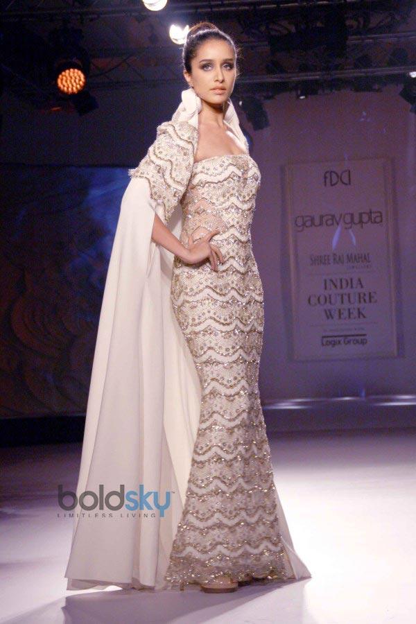 Shraddha Kapoor stuns at ICW 2014 Gaurav Gupta Show