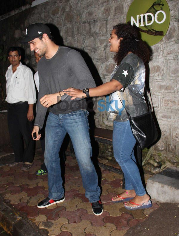 Sidharth Malhotra snapped at Nido Bandra