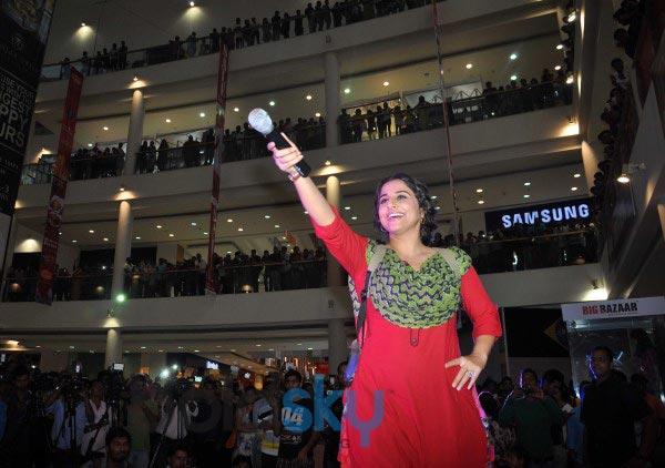 Vidya Balan during Bobby Jasoos Promotion at R City Mall