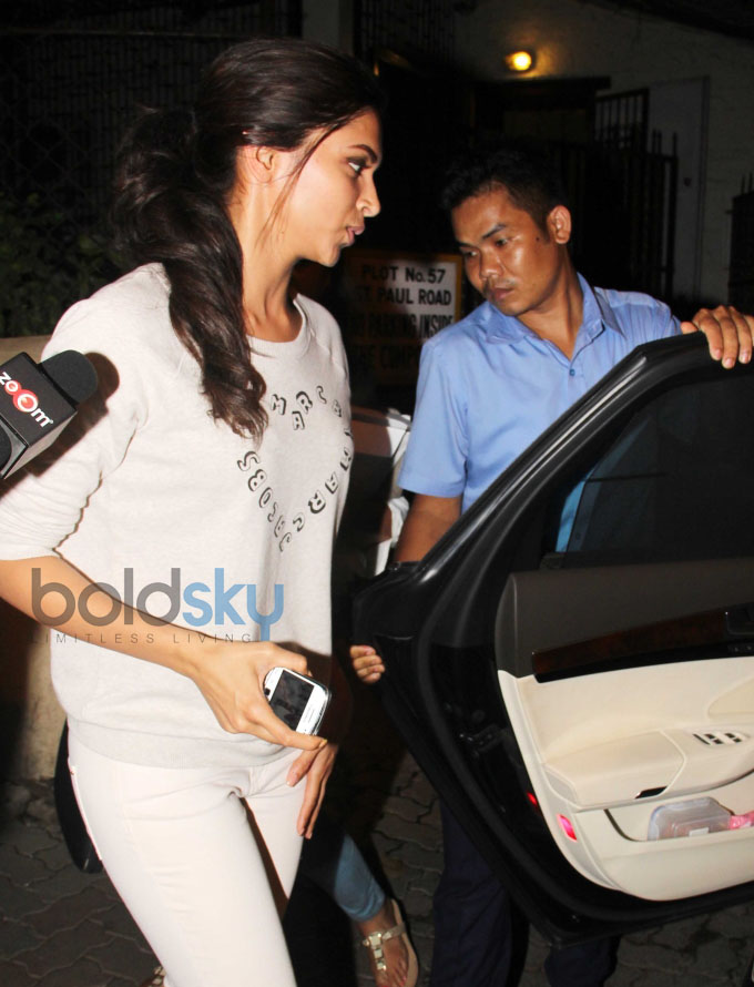 Deepika Padukone snapped at Shankar Mahadevan's Studio