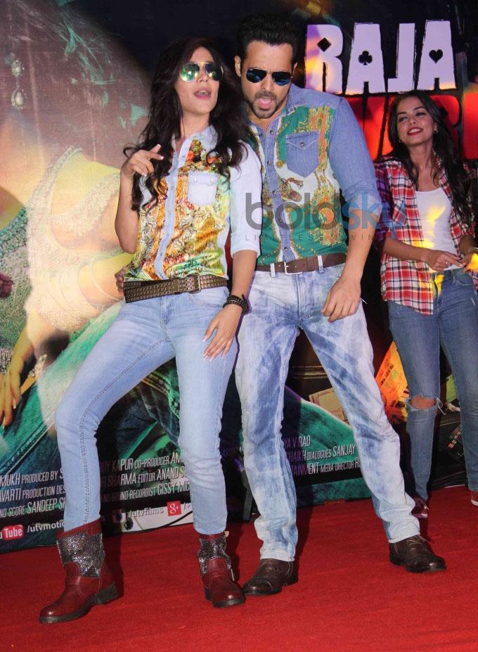 Emraan and Humaima launches Raja Natwarlal's Flip Your Collar Back Song