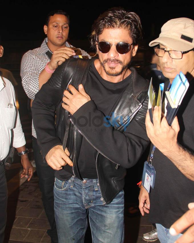 Shahrukh and Aryan Khan snapped at airport