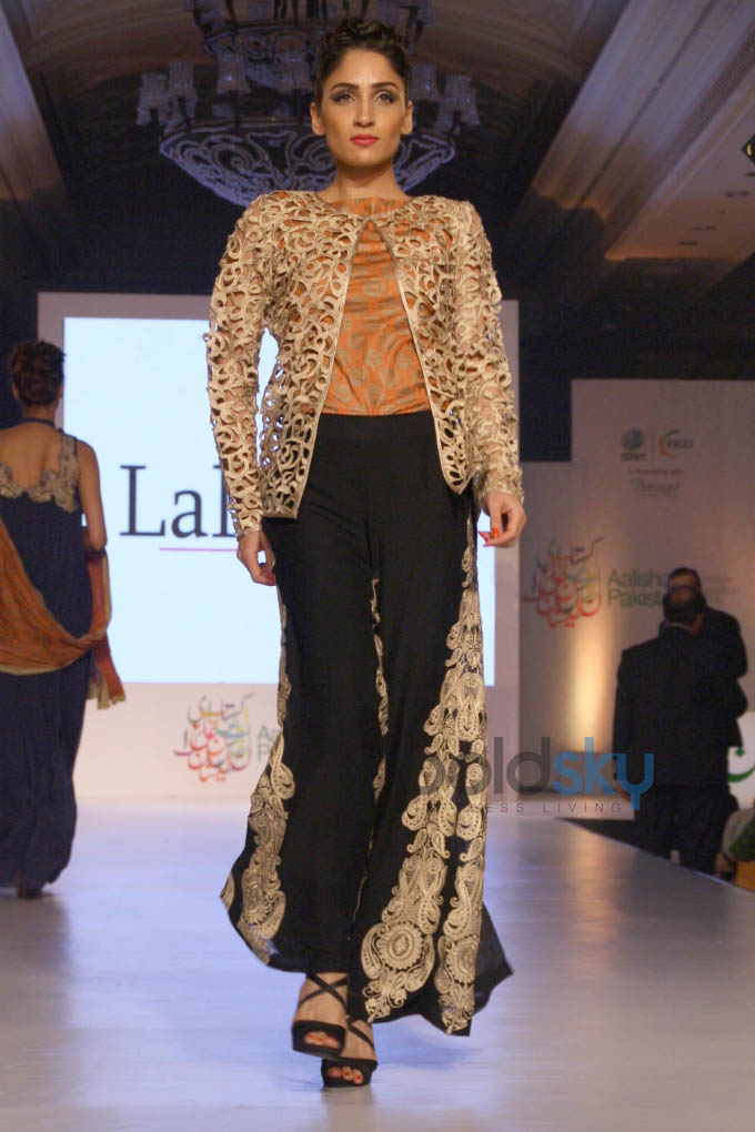 Aalishan Pakistan Fashion Show In New Delhi Photos Pics 266711 Boldsky Gallery Boldsky Gallery