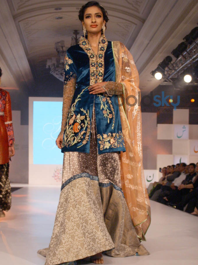 Aalishan Pakistan Fashion Show In New Delhi Photos Pics 266728 Boldsky Gallery Boldsky Gallery