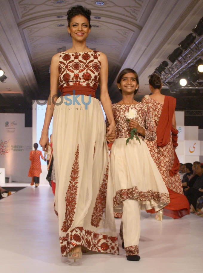 Aalishan Pakistan Fashion Show In New Delhi Photos Pics 266715 Boldsky Gallery Boldsky Gallery