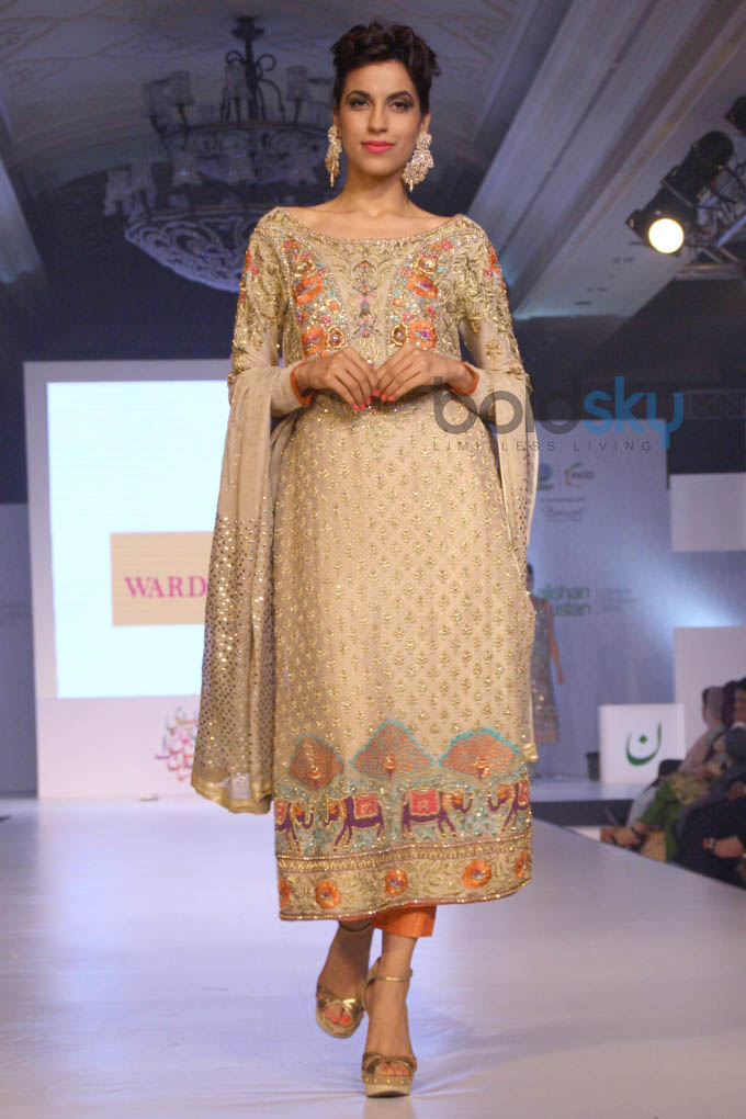 Aalishan Pakistan Fashion Show In New Delhi Photos Pics 266733 Boldsky Gallery Boldsky Gallery