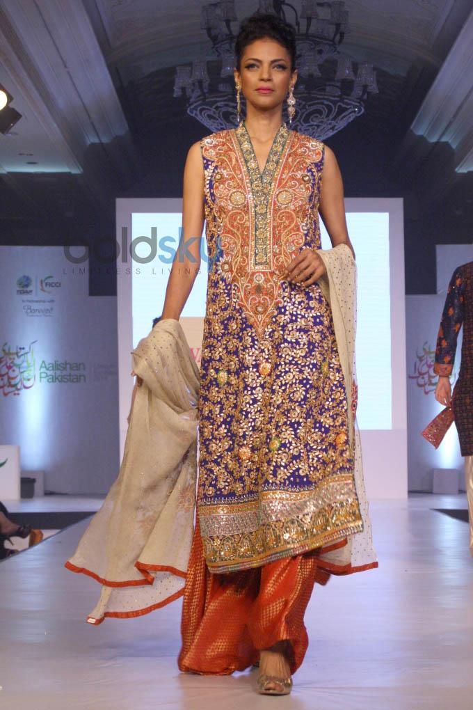 Aalishan Pakistan Fashion Show In New Delhi Photos Pics 266734 Boldsky Gallery Boldsky Gallery