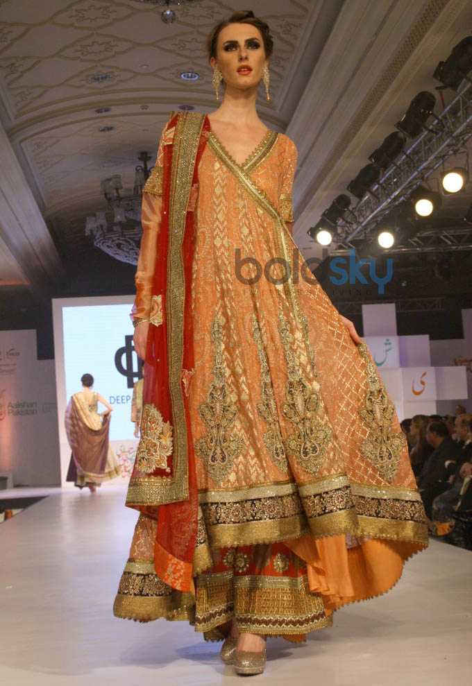 Aalishan Pakistan Fashion Show In New Delhi Photos Pics 266710 Boldsky Gallery Boldsky Gallery