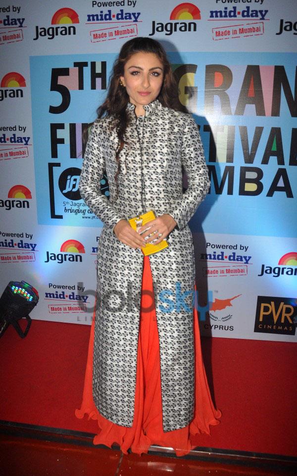 Soha Ali Khan At The Premier Of  Her Movie Chaarfutiya Chokare