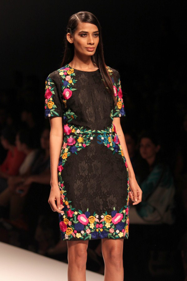 Wills India Fashion Week 2015 - mynah's By Reynu Tandon