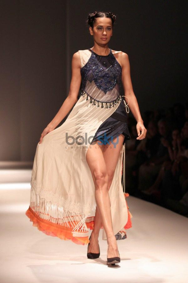 Wills India Fashion Week 2015 - Niket Mishra