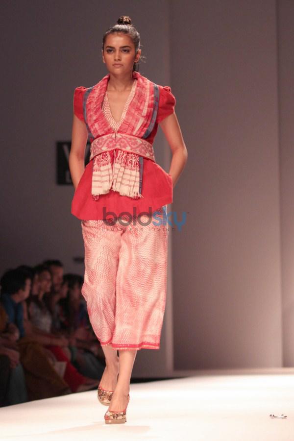 Wills India Fashion Week 2015 - Poonam Dubey