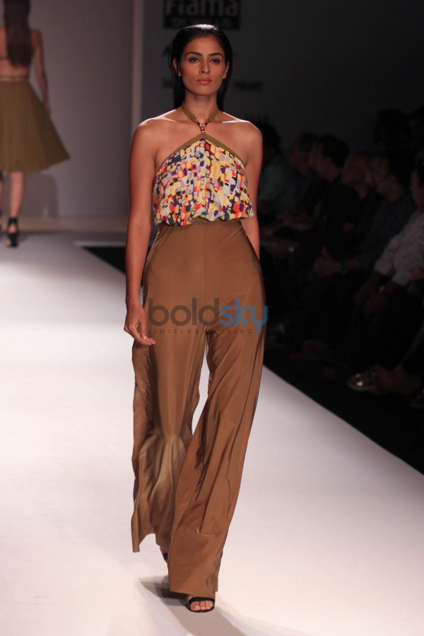 Wills India Fashion Week 2015 - Shivan And Narresh