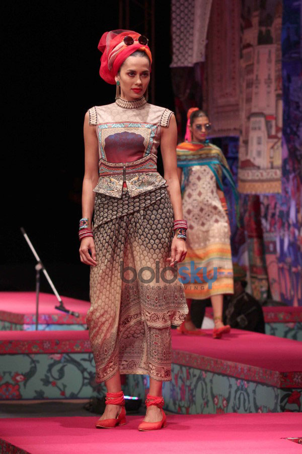 Wills India Fashion Week 2015 -   Tarun Tahiliani