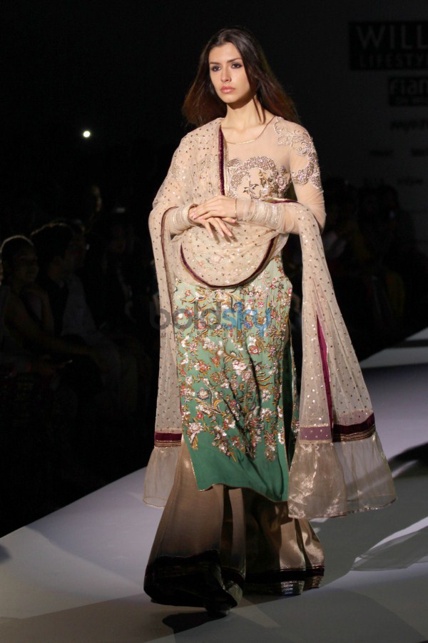 Wills India Fashion Week 2015 - Vineet Bahl