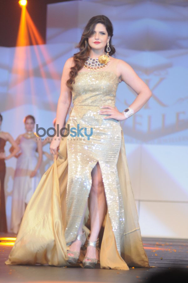 Aditi Rao Hydari And Zarine Khan Stun At Bullion Summit Fashion Show