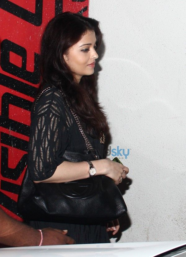 Aishwarya Rai And Abhishek bachchan Spotted At PVR