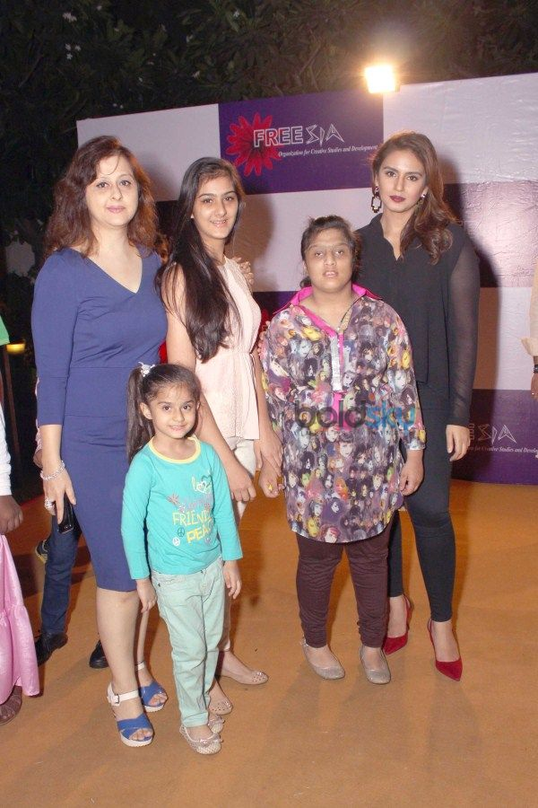 Huma Qureshi Launched 'Awesome Foursome' Book