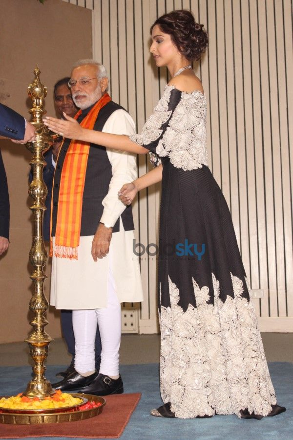 Sonam Kapoor At Inaugration Of 'World Diamond Conference'