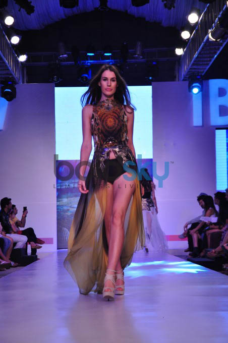 Gionee India Beach Fashion Week 2015-Day 3,Shouger Doshi & Sounia Gohil Show