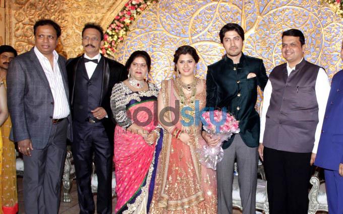 SRK At  Designer Manali Jagtap And Vicky Shoor's Wedding Reception