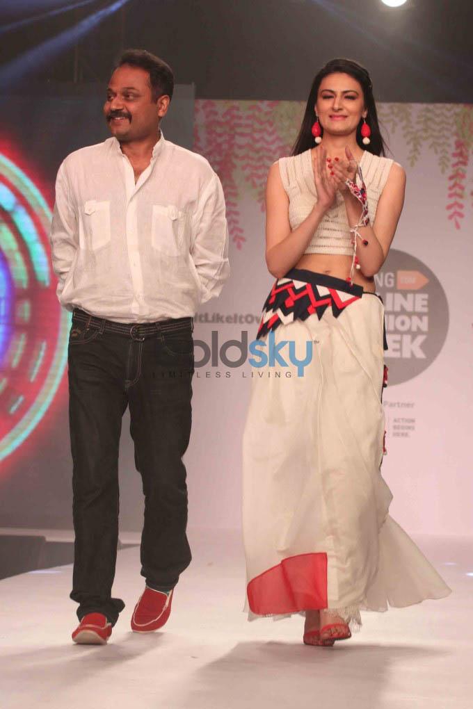 Jabong Online Fashion Week Season 2 In New Delhi