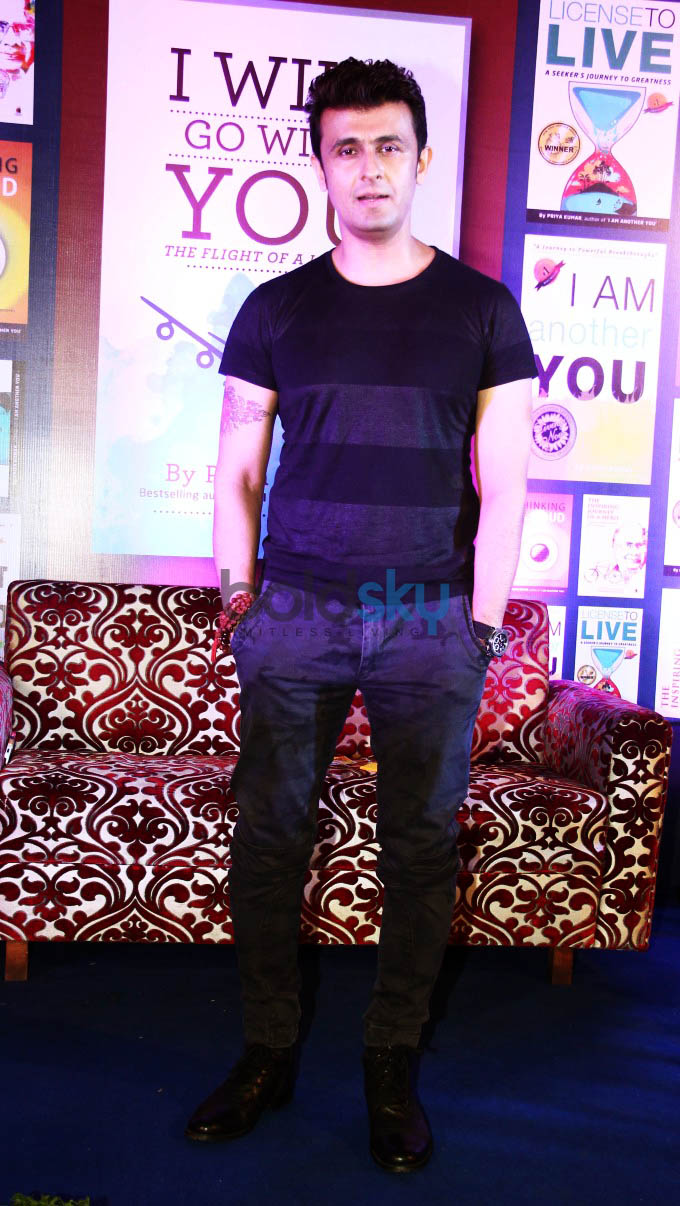Sonu Nigam Launches Priya Kumar Book - I Will Go With You