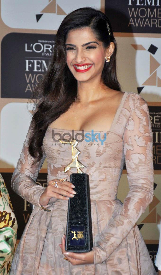 Sonam Kapoor At 4th Edition Of L'Oreal Paris Femina Women Award 2015