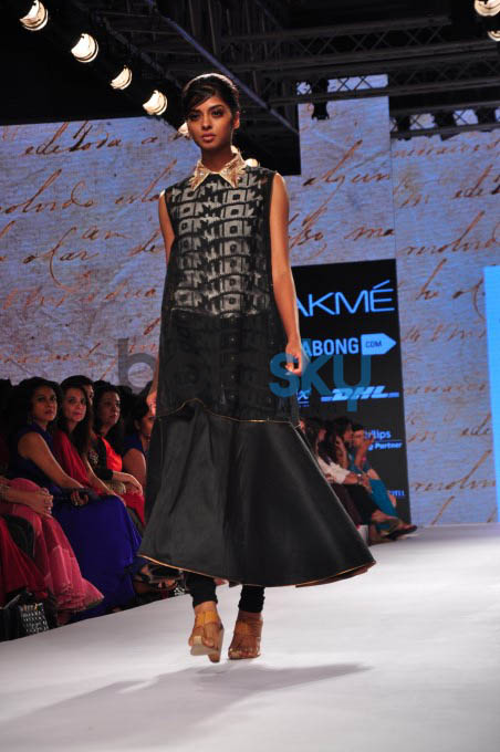 Lakme Fashion Week 2015 KIRAN UTTAM GHOSH - DAY 02-SHOW 07