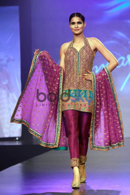 Indo Pak Fashion Show At Shaan E Pakistan Photos Pics 295608 Boldsky Gallery Boldsky Gallery