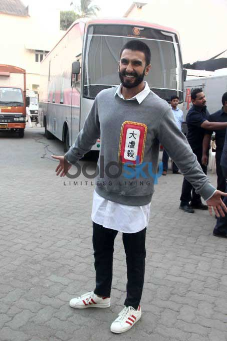 Ranveer Singh Shaves Off His Moustache During 'Bajirao Mastani' Promotions
