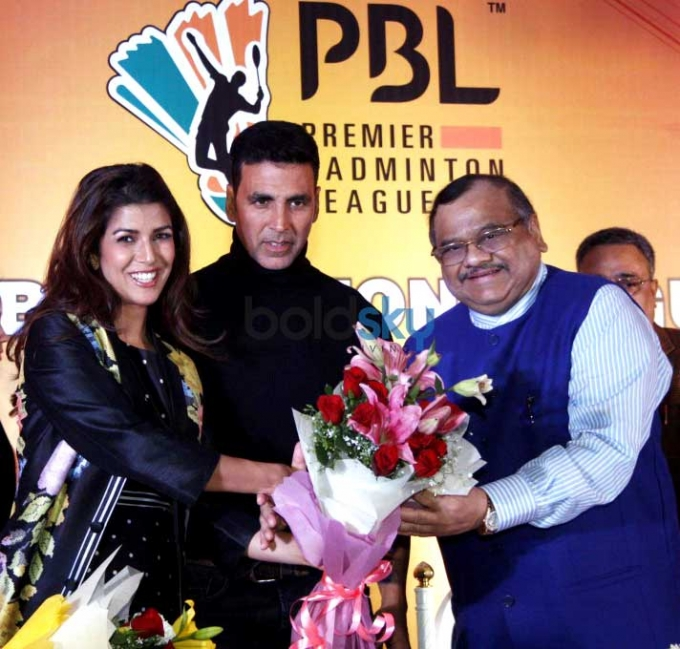 Akshay Kumar And Nimrat Kaur During In Premier Badminton League