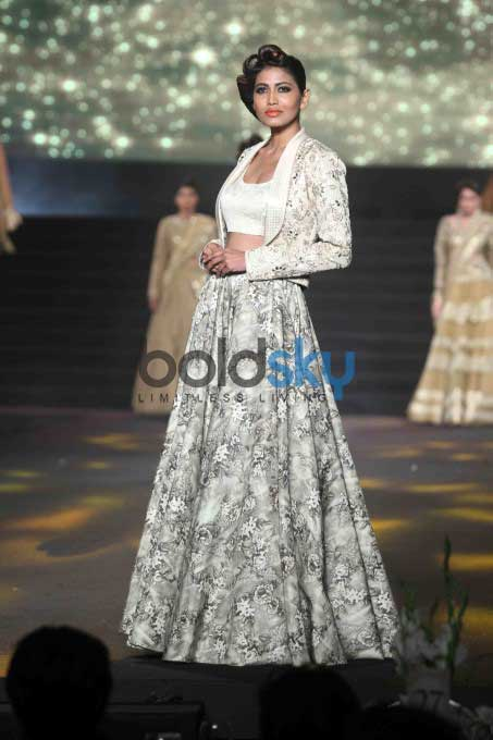 Amitabh Bachchan Walked For Vikram Phadnis 25th Anniversary Show