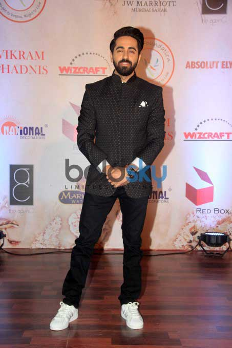 Amitabh Bachchan Walked For Vikram Phadnis 25th Anniversary Show