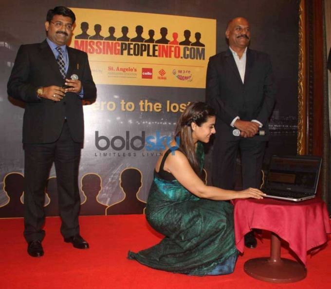 Kajol Unveils Missingpeopleinfo Dot com Initiative By Mumbai Police