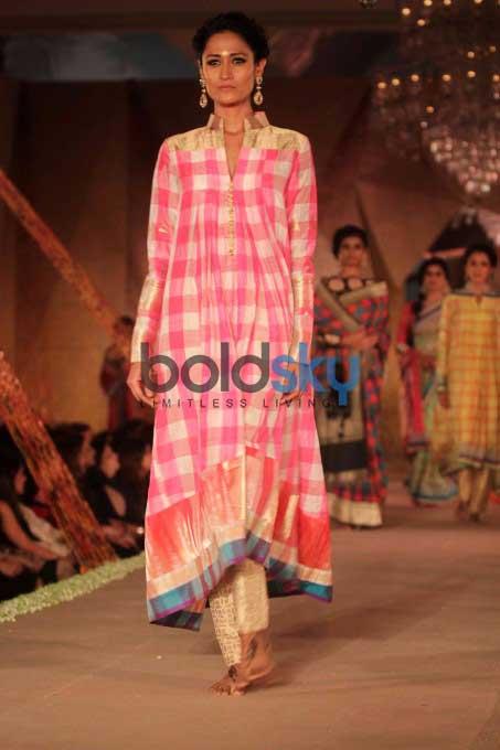 Katrina Kaif & Aditya Roy Walk The Ramp For Manish Malhotra & Sahachari Foundation