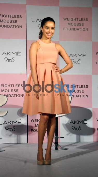 Shraddha Kapoor Unveils New Range By Lakme