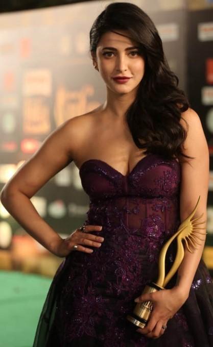 South Actress At IIFA Utsavam 2016 Awards