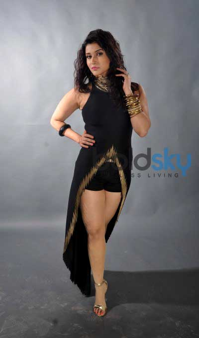 Zid Actress Mannara Chopra Latest Cute Photo Shoot