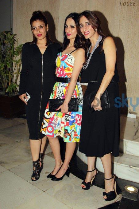 Raveena Tandon And Kriti Sanon Looks Stylish At Manish Malhotra's Bash