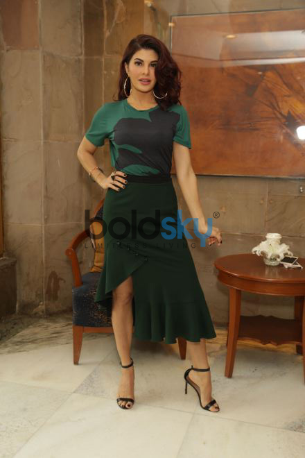 Siddharth Malhotra Jacqueline Fernandez Fernandez Photoshoot for A Gentleman