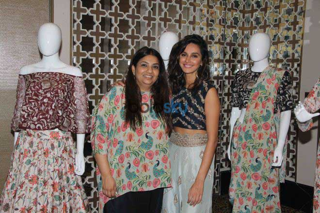 Kriti Kharbanda,Padmini Kolhapure And Other Celebs At Payal Singhal's New Collection